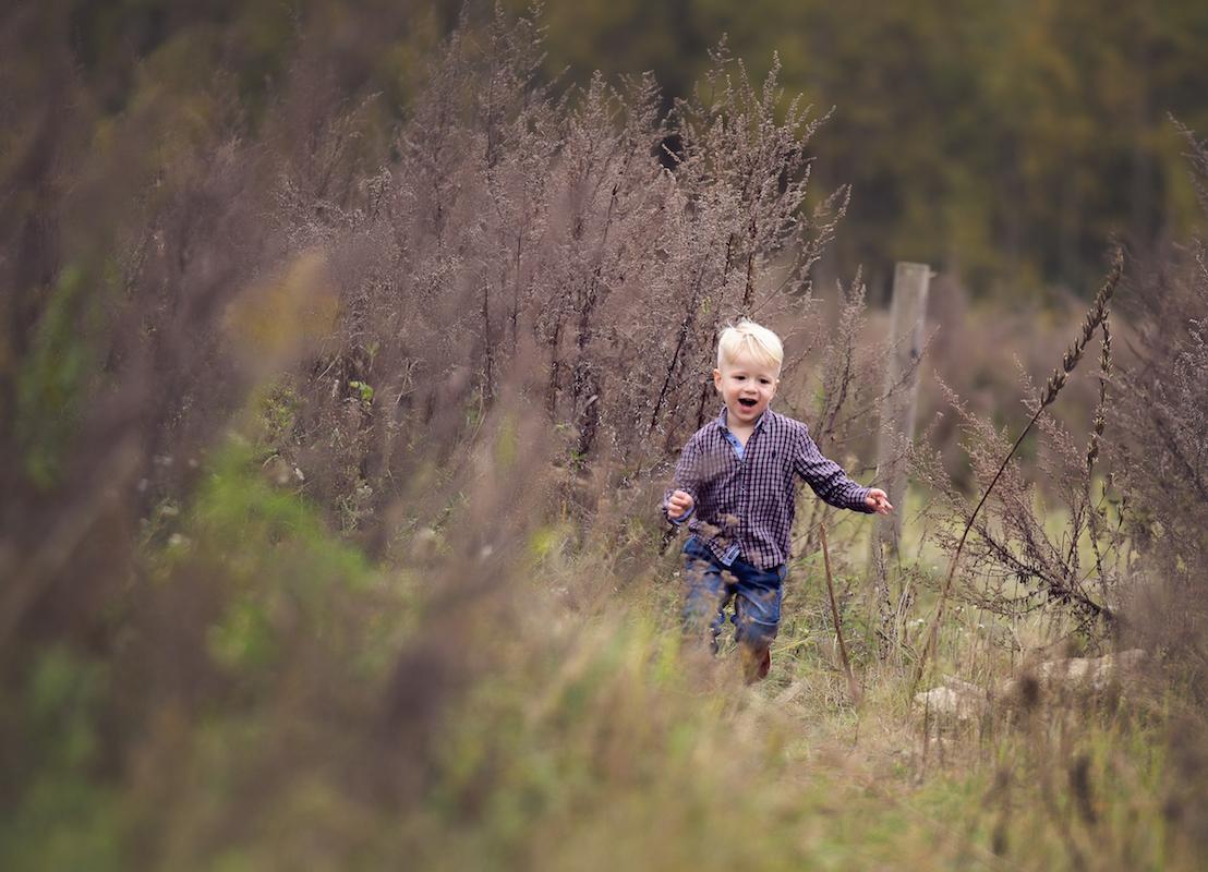 Kleinkind läuft